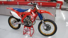 Justin Barcia's A2 Retro CRF450R Custom Jersey Sublimation, Embroidery, Racing T-shirts, Racing Numbers, Custom Vehicle Graphics, Stickers, Decals and more!! http://instagram.com/d2sracing https://twitter.com/D2SRacing Email us www.d2sracing@yahoo.com or https://www.facebook.com/d2sracing