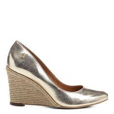 Compre Scarpin Santa Lolla Anabela Corda  Dourado na Zattini a nova loja de moda online da Netshoes. Encontre Sapatos, Sandálias, Bolsas e Acessórios. Clique e Confira!