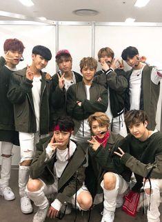 Kids Wallpaper, Korean Artist, Lee Know, Kpop Boy, Boys Who, Pop Group, Ikon, My Idol, Cute Babies
