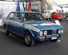Military Police, State Police, Italian Police, Car Badges, Alfa Romeo Cars, Police Cars, Police Vehicles, Subaru Legacy, Ferrari Car