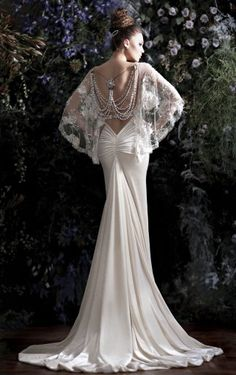Beaded back drop Wedding Dress Stunning! GALIA LAVAH Designer Gown