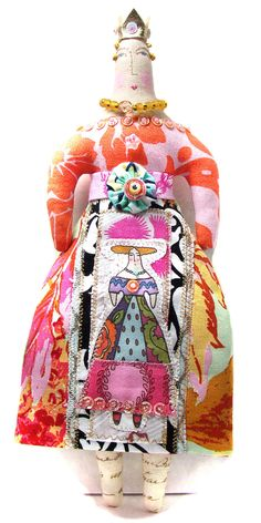 Handmade Small Cloth Art Doll Queen Decoration Whimsical Fabric Art Doll With A Appliqued Skirt