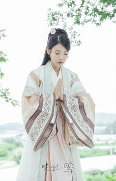 Moon Lovers: Scarlet Heart Ryeo (SBS (II) – Mis novelicas, kdramas… y más 💗 Korean Hanbok, Korean Dress, Korean Outfits, Korean Traditional Clothes, Traditional Dresses, Hanfu, Korean Beauty, Asian Beauty, Iu Moon Lovers