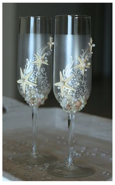 Pearl Wedding Glasses Set. Wedding champagne glasses with initials hand painted. Champagne Glasses Set For Beach Wedding
