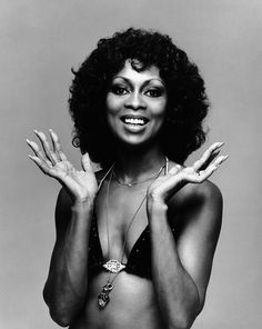 Dancer-singer-actress Lola Falana was a dancer and Broadway star, and later a major star in Italian film. vintage everyday: 60 Iconic Women Who Prove Style Peaked in the Lola Falana, Vintage Black Glamour, Cat Eyeliner, Vintage Swim, Black Goddess, Italian Actress, Black Pride, Iconic Women, Big Hair