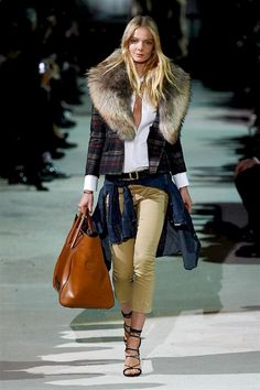 DSquared2 FW-15/16: plaid jacket with fur collar, white shirt, tan cropped pants, denim shirt knotted, strappy sandals, big tote bag.