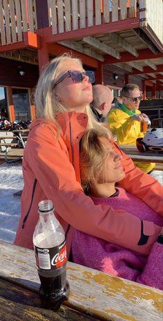 Mode Au Ski, Chalet Girl, Photo Voyage, Ski Season, Gal Pal, Best Friend Goals, Teenage Dream, Friend Pictures, Dream Life