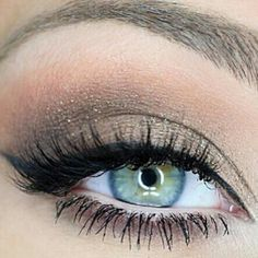 Beautiful neutral eye make-up. Perfect for summer outdoor wedding.
