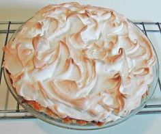 Baked Meringue Topping Here is a good recipe for meringue for pies. To keep the meringue from weeping never add more than 2 tab. ( Cornstarch added and cream of tartar to keep from weeping! Best Meringue Recipe, Meringue Topping Recipe, Coconut Meringue Pie, Baked Meringue, Perfect Meringue, Meringue Recipe With Powdered Sugar, Meringue Recipe For Pie Without Cream Of Tartar, Chocolate Meringue Pie, How To Make Meringue