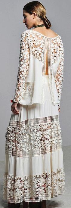 vestido veraniego de color blanco