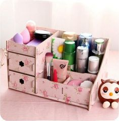 2016 New DIY Makeup Organizer Wooden Storage Box Office Supplies Multifunction Cosmetic Organizer Jewelry Box Red Pink Blue – DIY Projects Diy Makeup Storage Box, Wooden Makeup Organizer, Cardboard Organizer, Diy Organizer, Wooden Storage Boxes, Cardboard Crafts, Makeup Organization, Makeup Box Diy, Makeup Case