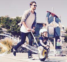 mountain buggy unirider reduces children's stroller into a unicycle Bugaboo, Jogging, Balance Bicycle, Mountain Buggy, Baby Bike, Unicycle, Ride On Toys, Bike Seat, Kids Bike