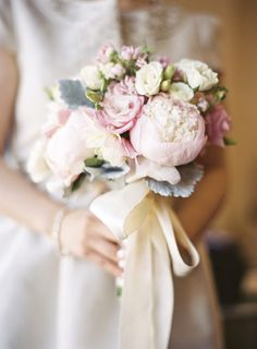 Nice use of ribbon on this bouquet