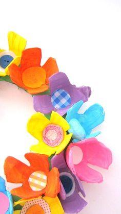 bloemen uit eierdoosjes  van krafty kat