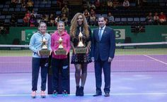 2013 WTA Player of the Year Serena Williams & Doubles Team of the Year Sara Errani & Roberta Vinci - accepting Year-End #1 Trophies. 11/22/13