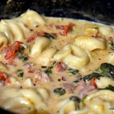 Crockpot Cheese Tortellini and Sausage.) bag frozen cheese tortellini 1 sausage (I prefer Italian) 1 bag fresh spinach 2 cans Italian style diced tomatoes 2 cans low-fat chicken broth 1 oz. Crock Pot Recipes, Crock Pot Cooking, Slow Cooker Recipes, Soup Recipes, Great Recipes, Cooking Recipes, Favorite Recipes, Crockpot Meals, Sausage Crockpot Recipes