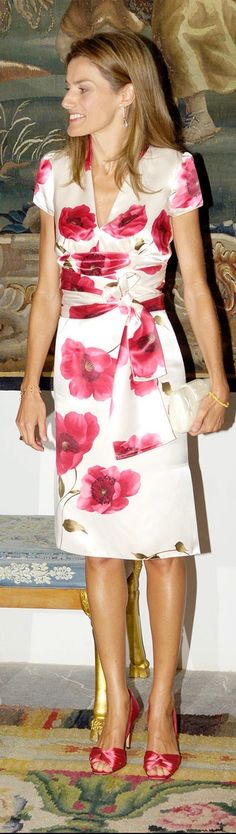 Crown Princess Letizia of Spain attends an official reception at the Almudaina Palace on August 2006