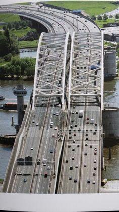 Van Brienenoord brug
