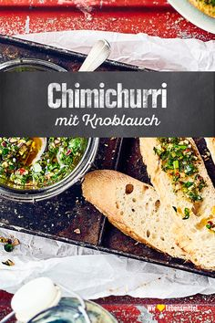 Chimichurri - - Chimichurri Dips & Saucen Chimichurri comes from Argentina and tastes great as a dip with grilled meat, fish or white bread Chutneys, Low Card Meals, Party Entrees, Diet Recipes, Vegan Recipes, Pesto Dip, Homemade Burgers, Scallop Recipes, Grilled Meat