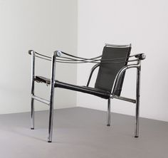 As per Le Corbusier's wishes, Perriand developed three chairs featuring tubular structures made of chrome-plated steel, each with its own function. B301 sling back chair was for conversation. 1928