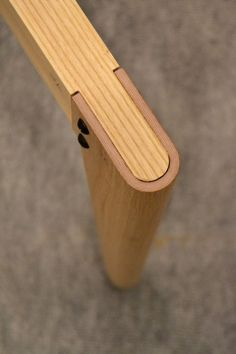 ::: Joinery detail using bent & moulded veneer :::