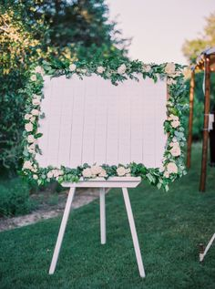 seating chart easel  | Photography: Jenna McElroy
