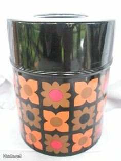 Retro Mod Flower Tin Peltipurkki Black & Brown