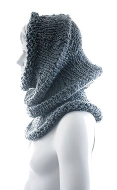 Moon - flexible and super bulky knit cowl pattern - Anne Thompson