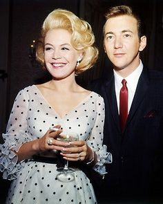 Sandra Dee dress polka dot dress (with her husband Bobby Darin) - Sandra Dee con abito a pois (con suo marito Bobby Darin)