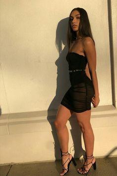 Simple Dresses, Sexy Dresses, Hot Outfits, Summer Outfits, Cute Poses For Pictures, Picture Poses, Picture Ideas, Pretty Black Girls, Cardi B