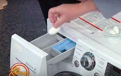 Umieszczamy tabletkę w kieszonce do której zwykle wsypujemy proszek i czyścimy pralkę tabletka do zmywarki. Diy Cleaners, Washing Machine, Life Hacks, Home Appliances, Cleaning, Youtube, Tips, Bathroom, House