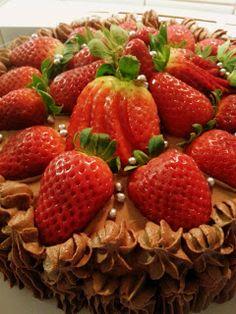 Chocolate Cake With Strawberries recipe