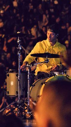 Josh Dun on the drums Bandito tour Tyler Joseph, Tyler E Josh, Twenty One Pilots Hd, Twenty One Pilots Aesthetic, Twenty One Pilots Wallpaper, Twenty One Piolets, Ohio, Indie, Staying Alive