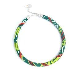 www.cewax.fr aime les bijoux ethno tendance Bijoux ethniques et style tribal. CéWax aussi fait des bijoux en tissus imprimés africains, on vous retrouve en boutique ici: http://cewax.alittlemarket.com/ - Collier massai cordon simple vert