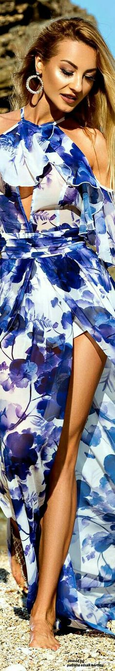 Bold Beautiful You Fashion Blue Color Combinations, Bleu Royal, Blue Crush, Cool Outfits, Fashion Outfits, White Fashion, Shades Of Blue, Mirrored Sunglasses, Personal Style