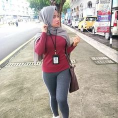 Muslim Fashion, Hijab Fashion, Hijab Chic, Girl Hijab, Best Leggings, Beautiful Hijab, Cute Asian Girls, Tight Dresses, Girl Outfits