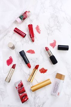 It's no secret that I'm slightly obsessed with all things beauty related. I find an odd sense of joy opening a fresh tube of lipstick, using a new makeup brush or having an insanely good makeup day. B