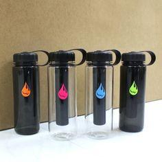 냉온 음료를 담을 수 있는 가벼운 제질의 환경 호르몬 free 텀블러 Printed Water Bottles, Shaker Bottle, Fire Extinguisher, Drinkware, Tumblers, Playboy, Cups, Packaging, Business
