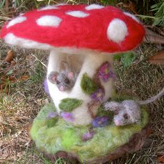 toadstool and mice