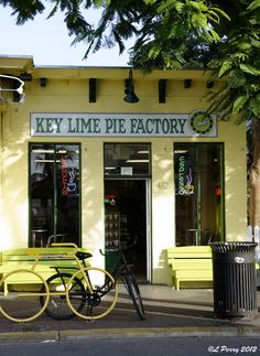 Key Lime Pie Factory Key West, Florida. Yummmmmmy...