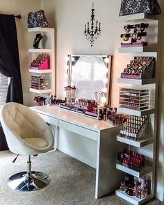 stylish Cute Makeup Vanity Table Designs Ideas That Looks Amazing Cute Makeup Vanity, Makeup Table Vanity, Vanity Ideas, Makeup Tables, Vanity Tables, Makeup Chair, Vanity Room, Makeup Room Decor, Makeup Rooms