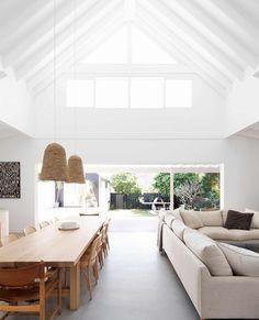 Contemporary Beach House, Modern Coastal, Home Fashion, Home Living Room, Coastal Living Rooms, Interior Design, Modern Home Interior, White House Interior, Coastal Interior