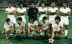 REAL MADRID-1974-De pie, de izquierda a derecha: José Luis, Benito, Miguel Ángel, Rubiñán, Grosso y Pirri. Agachados, en el mismo orden: Aguilar, Velázquez, Del Bosque, Macanás y Santillana.