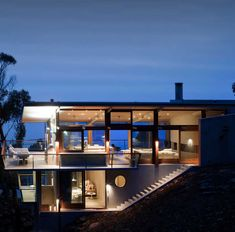 Contemporary Ocean House in Victoria by Robert Mills Architects