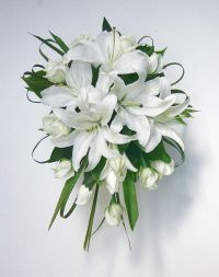 Google Image Result for http://www.blossoms.com.au/uploaded/White_Oriental_Lilies_with_white_roses.jpg