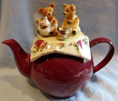 Paul Cardew ROYAL ALBERT Old Country Roses 'Betty' style teapot