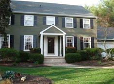 46 Ideas For Farmhouse Colonial Exterior Black Shutters Best Exterior Paint, Exterior Paint Colors For House, Paint Colors For Home, Exterior Colors, Paint Colours, Green Exterior Paints, Exterior Design, Exterior Colonial, Colonial House Exteriors