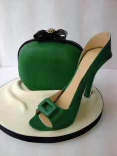 Sugar shoe and Handbag course at Cakes 4 Fun. Its all cake and sugar!