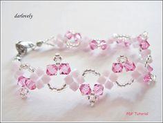 Esta pulsera está hecha con perlas de Swarovski bicono y semilla, lo que están fácilmente disponibles.  Tiempo requerido aproximadamente 2 horas