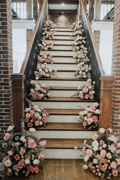 Blooming Floral Stairway | Katie Hadley Photography | Anthousai Floral Design | Three Twenty on Main #bridesofok #wedding #weddinginspiration #decor